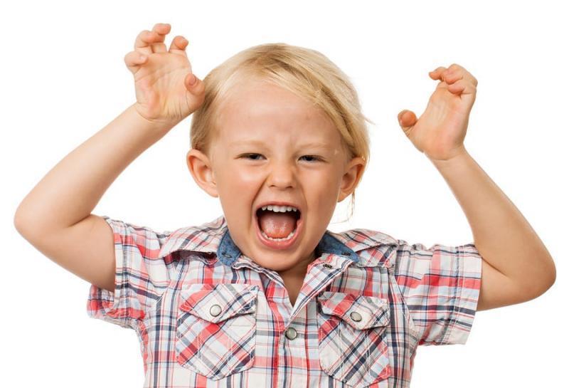 В каких случаях ребенок бьется головой об пол?