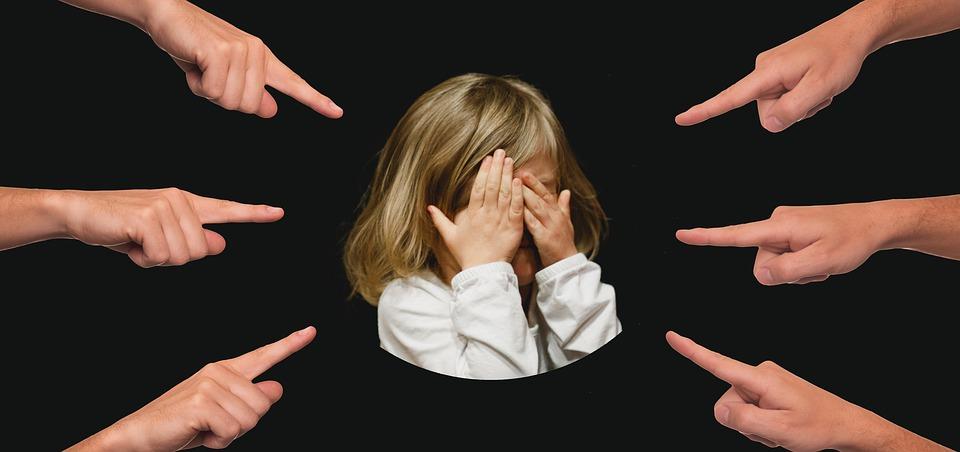 Как привить ребенку нормы приличия