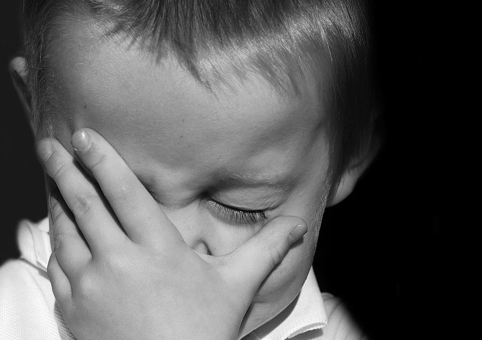 Почему дети плачут