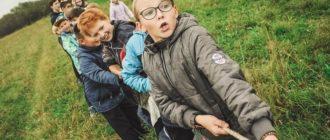 Как научить детей играть вместе