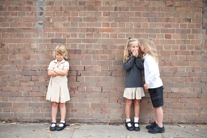 Общение или затворничество: что лучше для пугливого ребенка