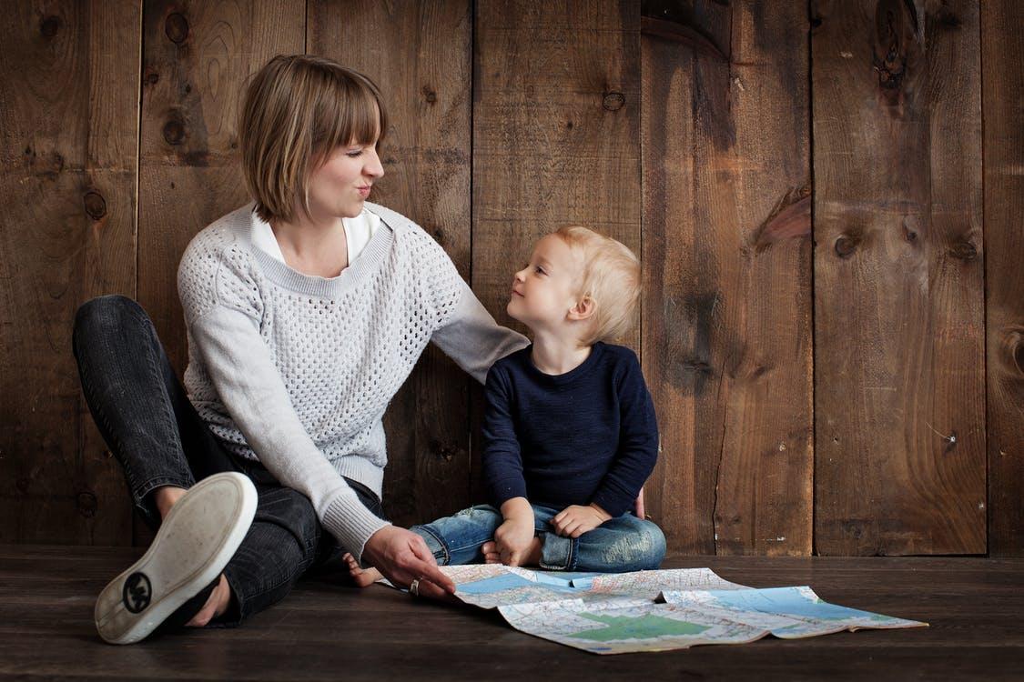 Как вести себя родителям с кривлякой