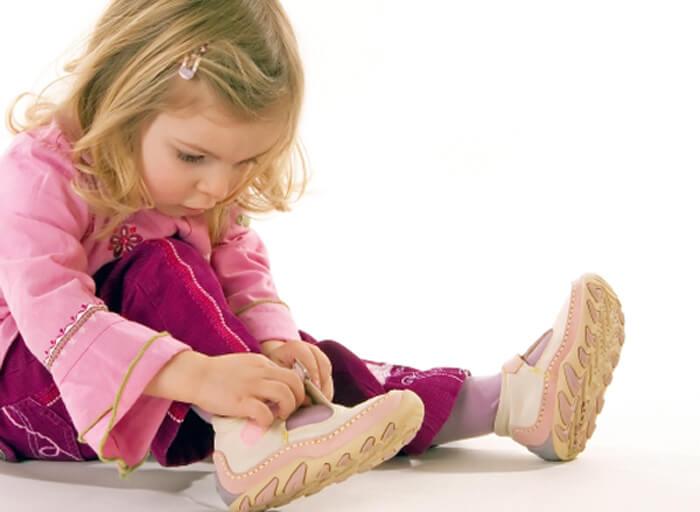 Как научить самостоятельно одеваться