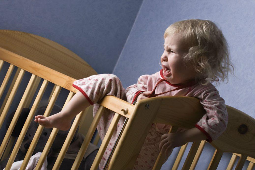 Как отучить ребенка спать с родителями