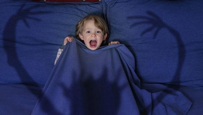 Почему так страшны монстры под кроватью